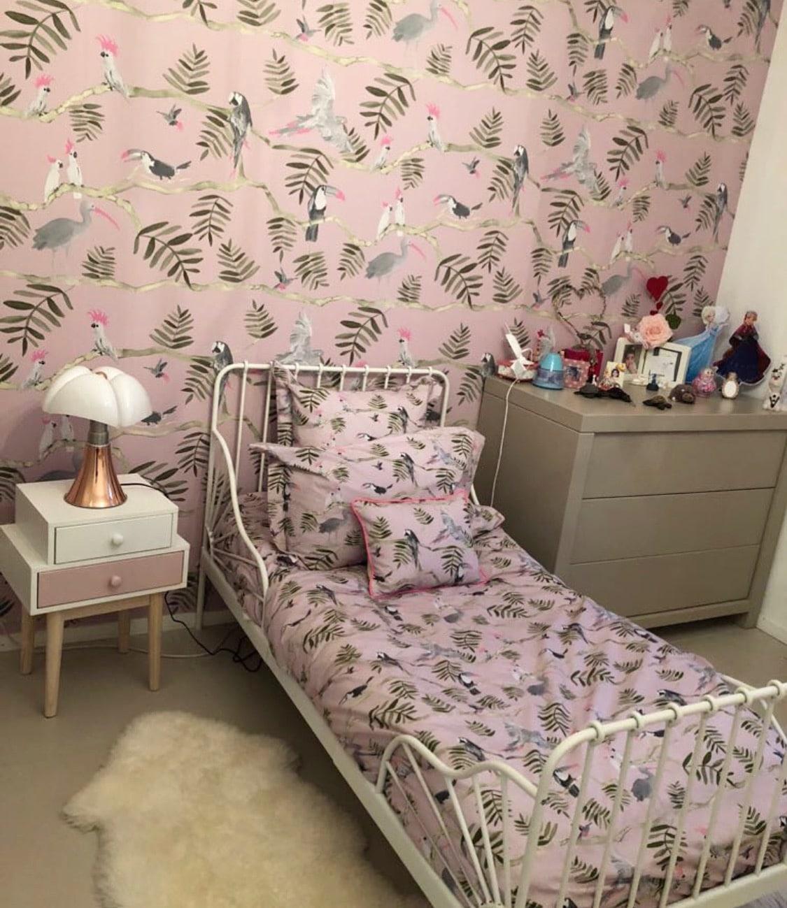 housse de couette les oiseaux de la jungle rose et grise kariokas. Black Bedroom Furniture Sets. Home Design Ideas