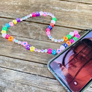 Bijou de portable Grigri Flower Power Phone Strap personnalisé - Call Me Lucky Baby by 84 Paradise